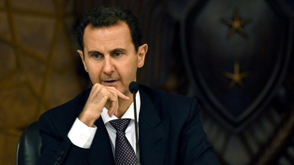 Esta fotografía publicada por la Agencia de Noticias Árabe Siria (SANA, por sus siglas en inglés) muestra al presidente de Siria, Bashar al-Ásad, mientras preside el comité central del partido gobernante Baath en Damasco el 7 de octubre de 2018.