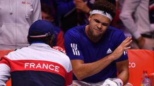 La France et la Belgique sont dos à dos, 2 victoires partout.
