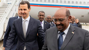 Le président syrien Bachar al-Assad et son homologue soudanais Omar el-Béchir, le 16 décembre à Damas.