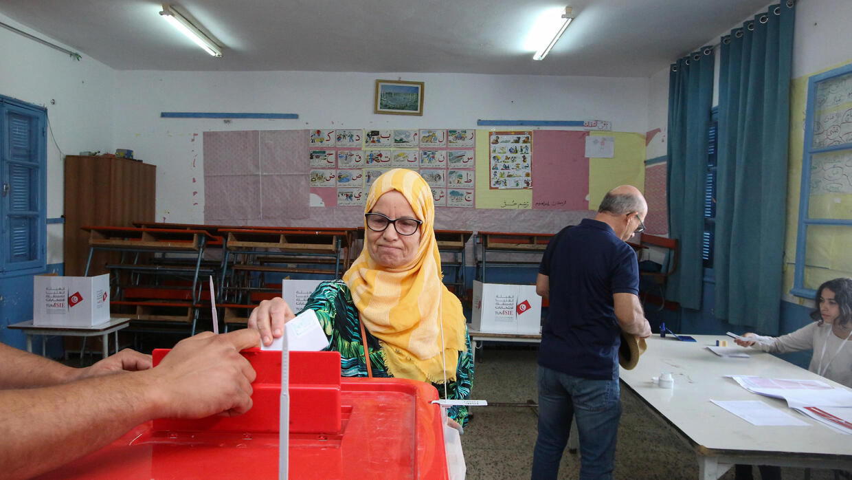 Media magnate and law professor in face-off as Tunisian poll enters final round