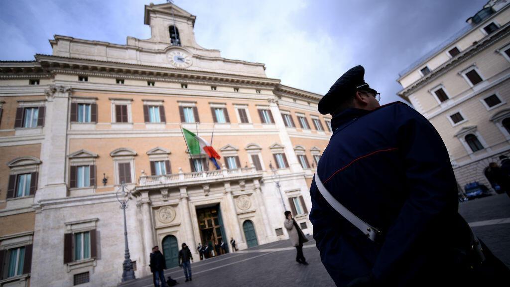 قصر مونتيشيرتو في روما حيث يجتمع أعضاء مجلس النواب الإيطالي.