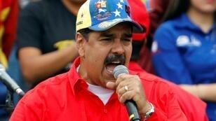 الرئيس الفنزويلي نيكولاس مادورو خلال كلمة أمام حشد من أنصاره بالعاصمة كاراكاس - 2 فبراير/شباط 2019
