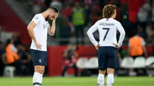 Les attaquants français Olivier Giroud et Antoine Griezmann lors du match qualificatif pour l'Euro 2020 contre la Turquie.