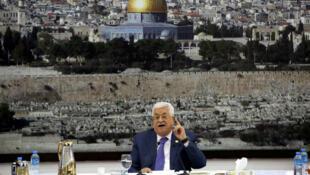Mahmud Abbas, en una reunión su recinto presidencial en Ramallah, Cisjordania, el 25 de julio de 2019.