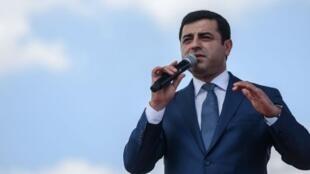 المعارض الكردي صلاح الدين دميرتاش