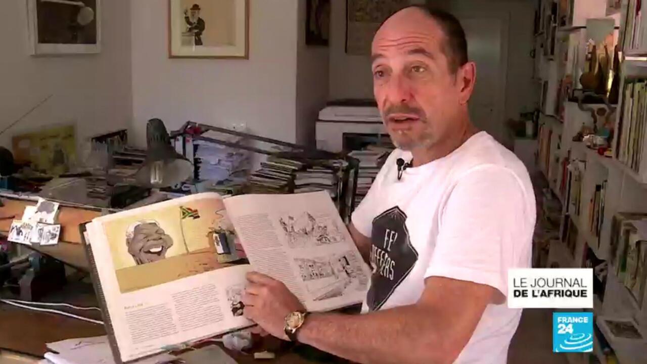 Le caricaturiste Zapiro dans son studio au Cap.