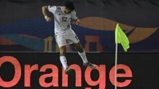 آدم وناس صاحب هدفين للجزائر أمام تنزانيا.