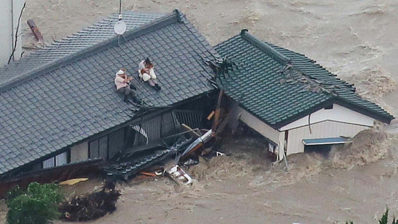 Hasil gambar untuk Hurricane Etau coming in with heavy rains