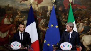 El presidente de Francia, Emmanuel Macron, y el primer ministro de Italia, Paolo Gentiloni, juntos en Roma.
