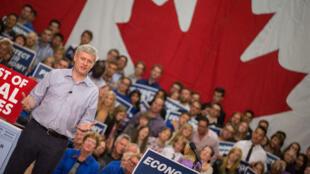 Le Premier ministre sortant Stephen Harper lors d'un meeting le 13 octobre 2015.