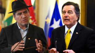 El canciller de Bolivia Diego Pary y su homólogo chileno Roberto Ampuero, las caras más visibles del litigio entre los dos países.