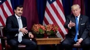 لقاء بين دونالد ترامب والشيخ تميم بن حمد آل ثاني، في نيويورك في 9 أيلول/سبتمبر 2017