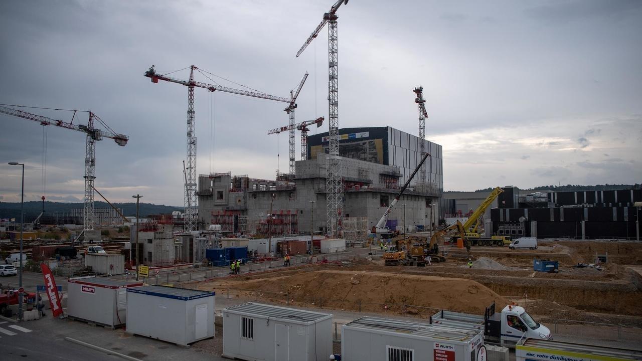 بناء مفاعل إيتر في سان بول ليه فالنس في جنوب فرنسا في 10 أكتوبر/تشرين الأول 2018.