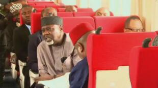 Le train reliant Abuja, la capitale, à Kaduna roule à 150 km/h et peut accueillir 330 passagers.