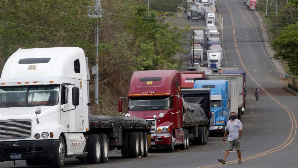 Peñas Blancas es uno de los pasos de frontera entre Costa Rica y Nicaragua donde los camiones de carga bloquearon la vía como protesta por las limitaciones de circulación en medio de la pandemia del Covid-19. Fotografía del 21 de mayo de 2020.