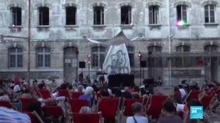 2020-07-31 10:12 Culture : coup d'envoi du Festival Paris l'été malgré l'épidémie