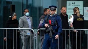 Les familles des victimes de la tuerie de Christchurch se rendent au procès de l'auteur de l'attaque, Brenton Tarrant, le 24 août 2020.