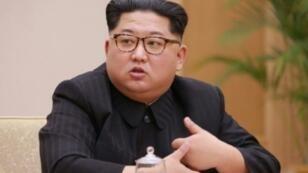 زعيم كوريا الشمالية ري كيم جونغ أون خلال اجتماع للحزب الأوحد في 9 نيسان/أبريل 2018.