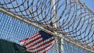 Las instalaciones de la Bahía de Guantánamo se construyeron apresuradamente después de la invasión de Afganistán liderada por Estados Unidos a fines de 2001.