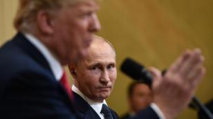 Donald Trump et Vladimir Poutine lors d'une conférence de presse dans le palais présidentiel d'Helsinki, le 16 juillet 2018