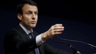 Le ministre de l'Économie, Emmanuel Macron, multiplie les sorties médiatiques.