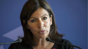 Anne Hidalgo, en conférence de presse conjointe avec Renault, à la mairie de Paris, le 4 juillet 2018.