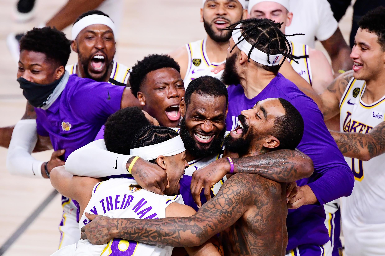 """Les Los Angeles Lakers ont décroché leur premier titre en dix ans lors de la finale de la NBA dans la """"Bubble"""" de Floride."""