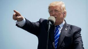 """Donald Trump a promis au régime nord-coréen """"le feu et la colère""""."""