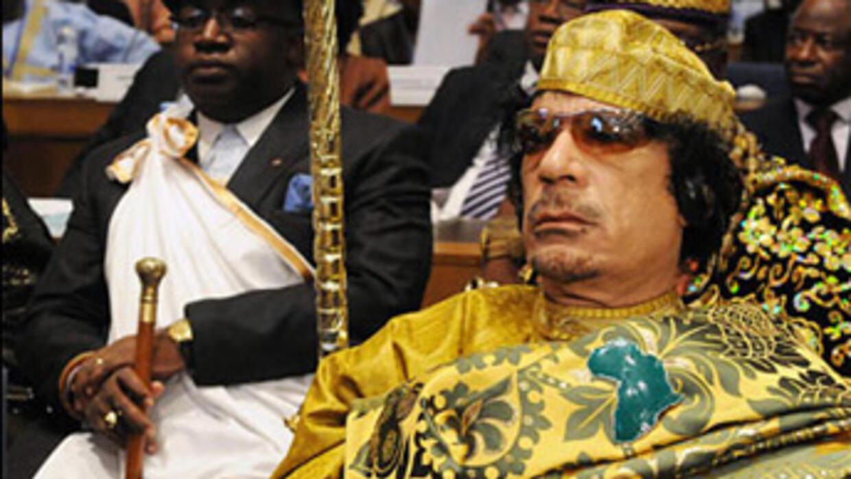 زنقة زنقة وخطابات القذافي القديمة والحديثة تغزو شبكة الانترنت