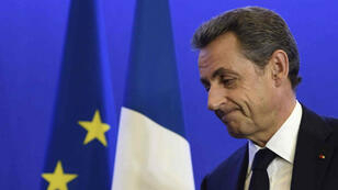 """Pour nombre d'observateurs, la ligne que Nicolas Sarkozy a adoptée dans le but de """"siphonner"""" des voix au FN s'est révélée contre-productive."""