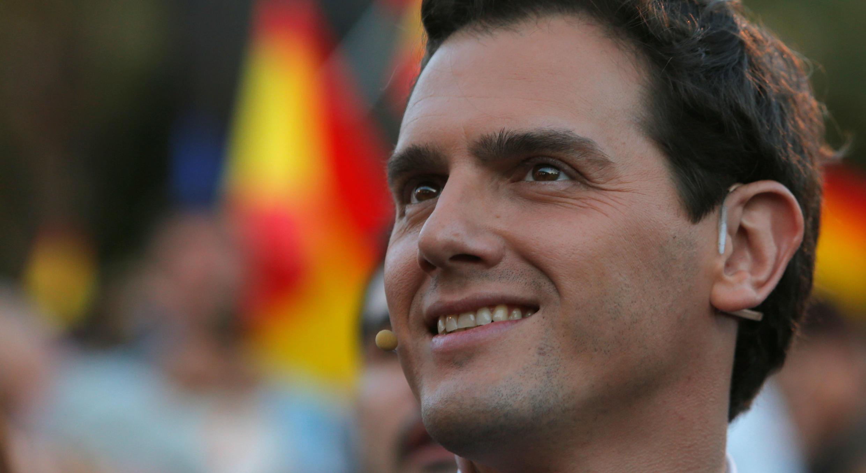 El líder del partido Ciudadanos de España, Albert Rivera, asiste a un mitin de cierre de la campaña electoral en Valencia, el 26 de abril de 2019.