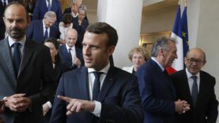 La photo de groupe avec les ministres du gouvernement Philippe.