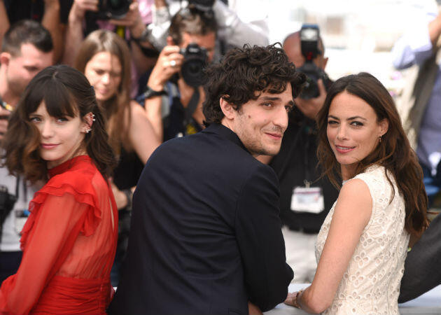 "The ""Redoubtable"" Louis Garrel poses with Stacy Martin (left) and Bérénice Bejo (right)."