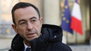 Le chef de file des sénateurs LR Bruno Retailleau, dans la cour de l'Elysée le 5 février 2020