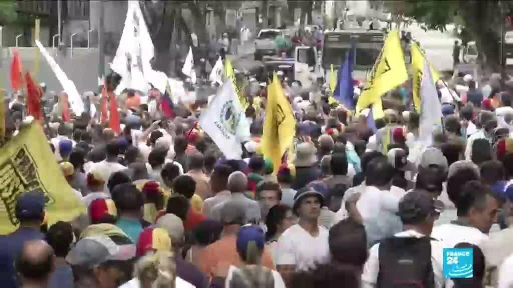 2020-03-11 14:10 Venezuela: Protesters clash with police