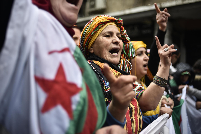 Algérie manifestation femme hirak alger
