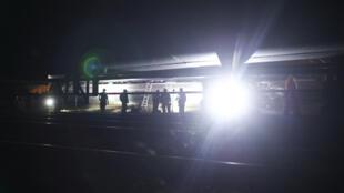 رجال الإنقاذ في مكان الحادث