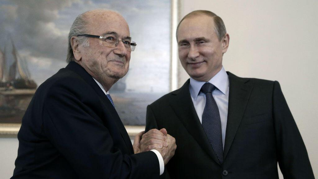 Sepp Blatter et Vladimir Poutine, à Saint-Pétersbourg, le 25 juillet 2015