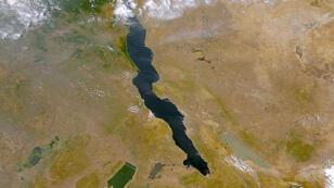 Le lac Tanganyika se trouve à la frontière entre le RDC et la Tanzanie.