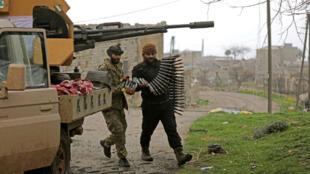 Miembros del Ejército Libre Sirio cerca de Afrín.