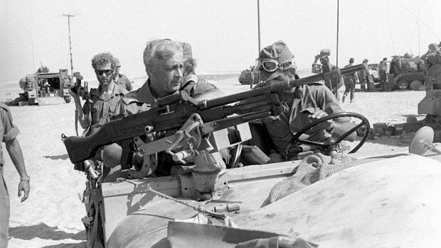 Ariel Sharon pendant la guerre du Kippour, en 1973