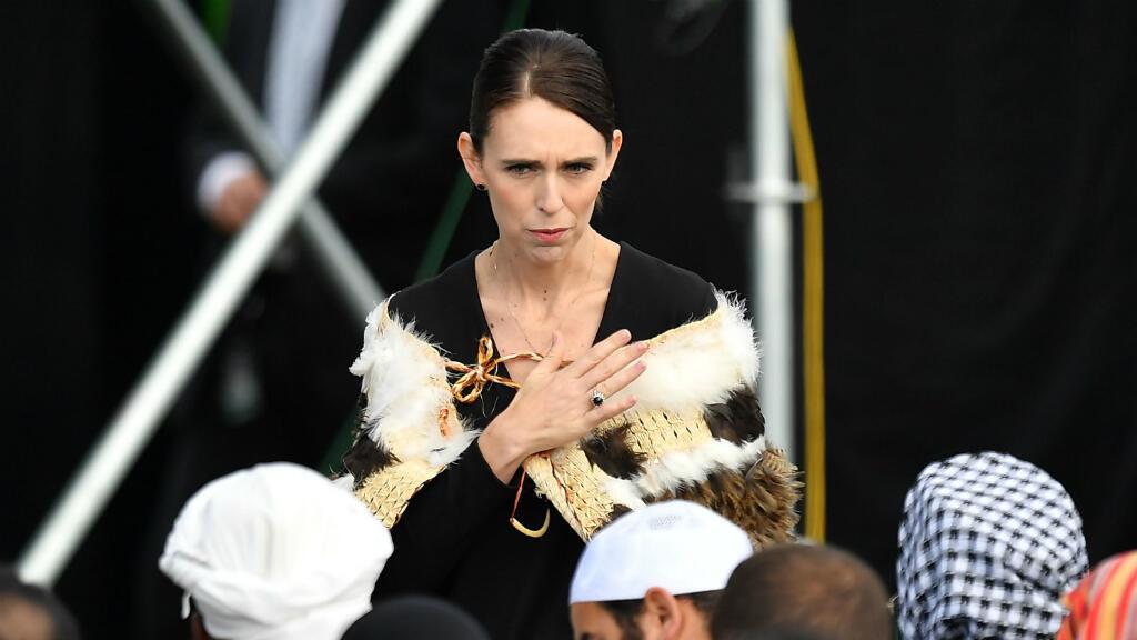 La primera ministra de Nueva Zelanda, Jacinda Ardern, durante una ceremonia de conmemoración nacional en North Hagley Park en memoria de las víctimas de la masacre de Christchurch, en Nueva Zelanda, el 28 de marzo de 2019.