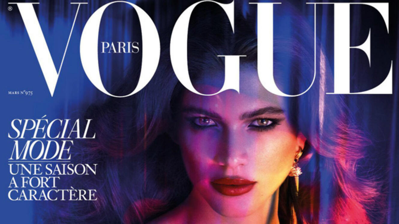 Valentina Sampaio, mannequin transgenre en une du magazine Vogue France, mars 2017.