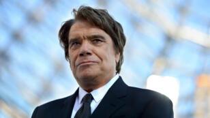Le sulfureux Bernard Tapie, homme d'affaires, comédien, chanteur, ministre de la Ville de Mitterrand, souhaite aujourd'hui renouer avec la politique.