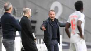 L'entraîneur du Bayern Munich Hansi Flick agacé lors du match perdu à Francfort, le 20 février 2021