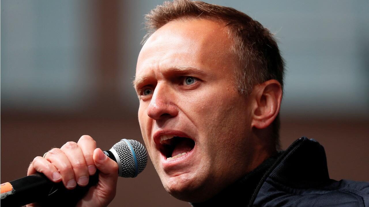 El opositor Alexéi Navalny da un discurso durante una manifestación en Rusia el 29 de septiembre de 2019.