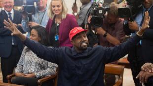 Kanye West lors d'une entrevue avec Donald Trump dans le Bureau ovale à la Maison blanche en octobre 2018.