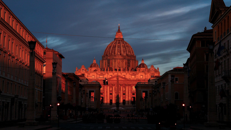 Vista general de la basílica de San Pedro durante la primera audiencia general pública con público del papa Francisco tras la pandemia de Covid-19, el 2 de septiembre de 2020.