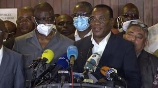"""Présidentielle en Côte d'Ivoire : l'opposition promet un """"gouvernement de transition"""""""