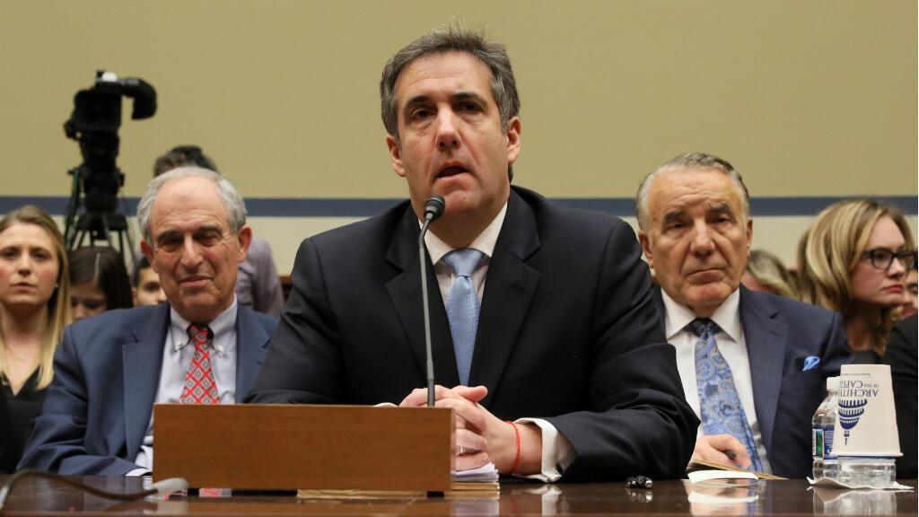 Michael Cohen, exabogado personal del presidente de EE. UU., Donald Trump, testifica ante una audiencia del Comité de Supervisión y Reforma de la Cámara de Representantes en Capitol Hill en Washington, EE. UU., el 27 de febrero de 2019.